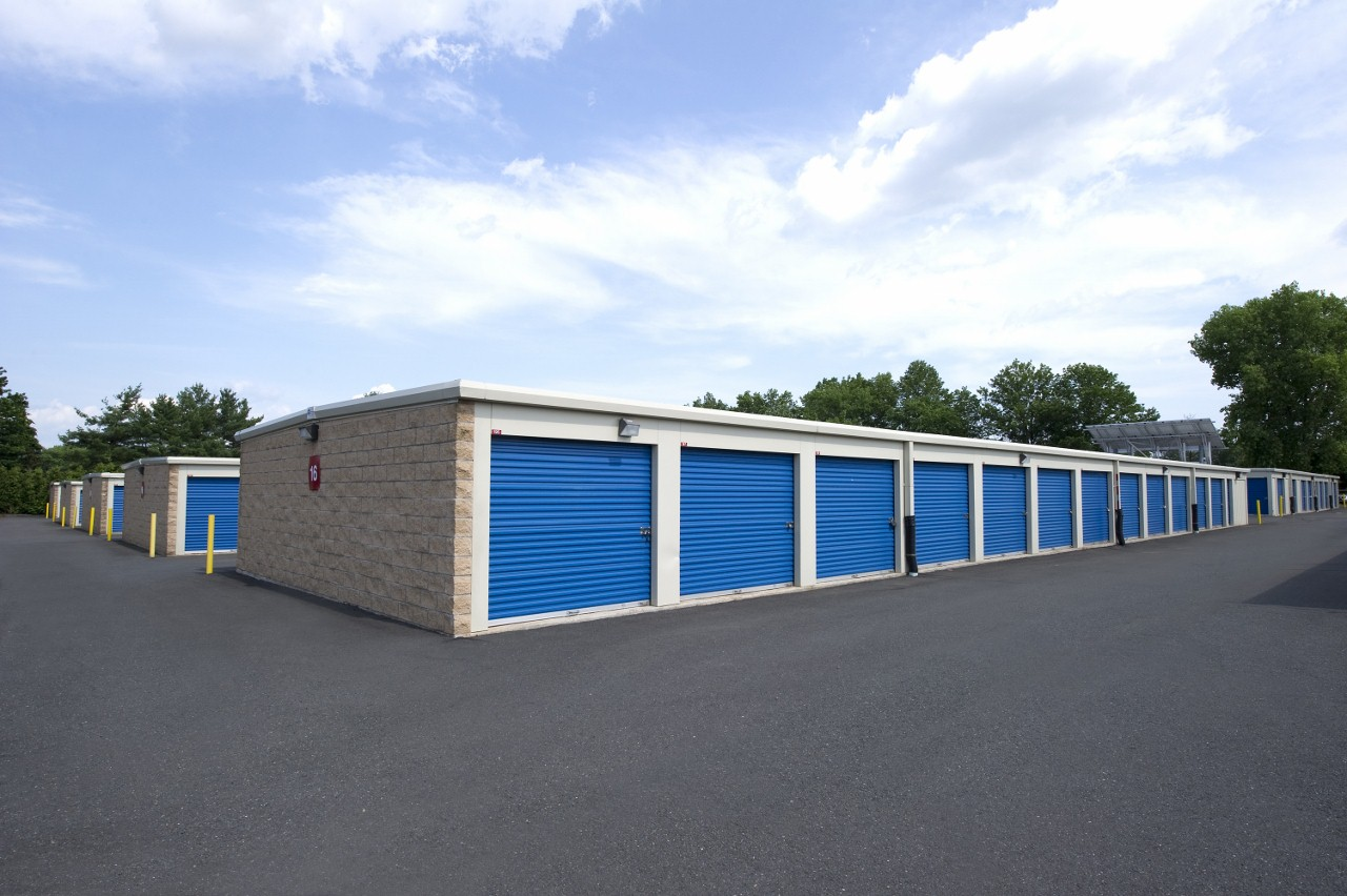 original_planet-self-storage-newington-ct-06111-self-storage-2